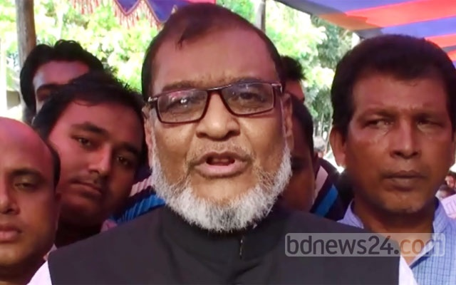 Liberation War Affairs Minister AKM Mozammel Huq says he did not intentionally undermine the Constitution. File photo