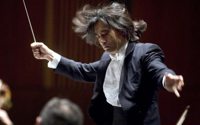 File photograph shows Kent Nagano, the Orchestre symphonique de Montreal 's music director designate, conducting at his debut at his first of four concerts in Montreal, March 30, 2005. Credit: Reuters/Christinne Muschi/Files