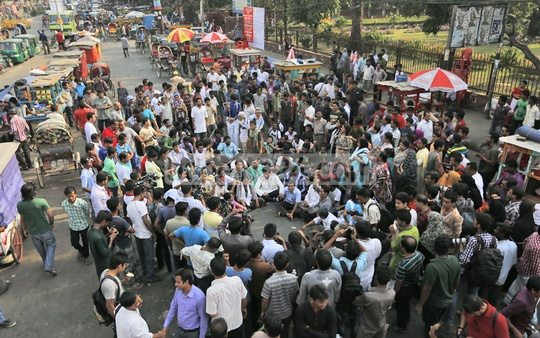 The Ganajagaran Mancha led by Imran H Sarker organises a rally at Shahbagh on Friday. Photo: nayan kumar/ bdnews24.com