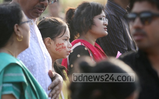 Members of the Christian community join Easter Sunday Service in front of the Parliament Building on Sunday morning. Photo: asaduzzaman pramanik/ bdnews24.com