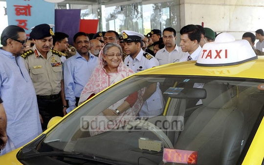 Prime Minister Sheikh Hasina inaugurates a new taxi service run by the Bangladesh Army in Dhaka on Tuesday. Photo: bdnews24.com