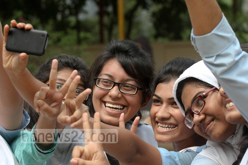 SSC selfies! Students at Viqarunnisa Noon School pose for a self-clicked photo after getting the results of their Secondary School Certificate (SSC) exams on Saturday. Photo: nayan kumar/ bdnews24.com