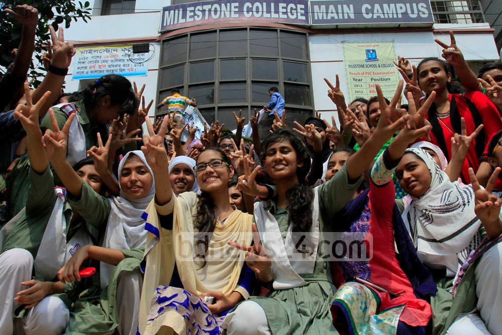 Students of Milestone College celebrate after their school is placed 4th in this year's Secondary School Certificate (SSC) exam in Dhaka Board. Photo: tanvir ahammed/ bdnews24.com