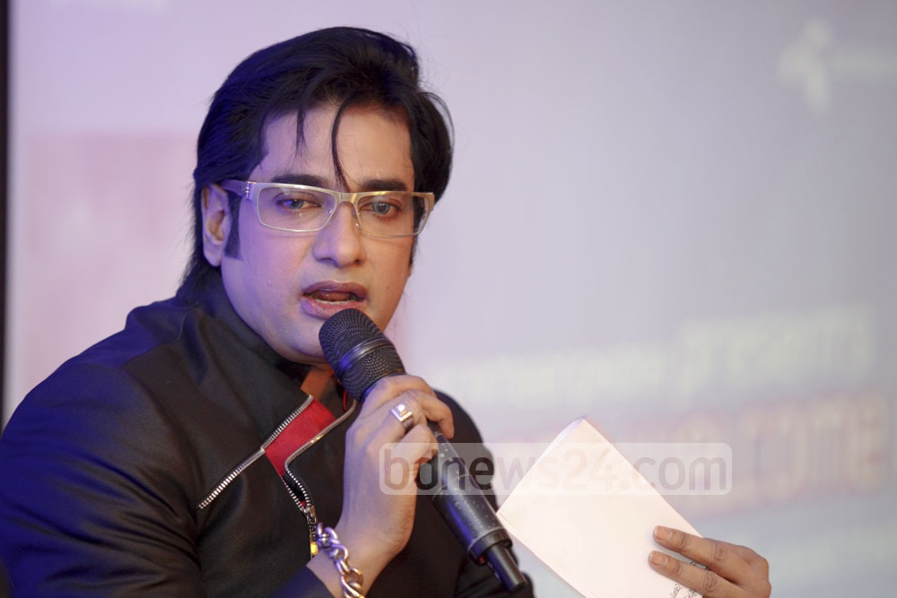 Ananta Jalil talking to the press at an event after he announced that the soundtracks for his upcoming film Most Welcome 2 would be available for Grameenphone users. Photo: asaduzzaman pramanik/ bdnews24.com