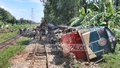 An oil-carrying freight train jumped the railway tracks at Sitakunda's Fouzdarhat on Wednesday. Photo: suman babu/ bdnews24.com