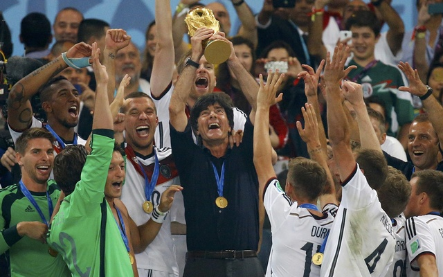 15.+Germany%27s+coach+Joachim+Loew+lifts+the+World+Cup+trophy+after+his+team+won+the+2014+World+Cup+final+against+Argentina.+Reuters
