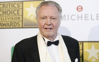 Actor Jon Voight poses at the 4th annual Critics' Choice Television Awards in Beverly Hills, California June 19, 2014. Credit: Reuters
