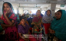 Tuba Textiles workers have had no salary for the last three months. On Saturday they went on a strike demanding that their salaries and bonuses be given out before Eid. Photo: mustafiz mamun/ bdnews24.com