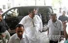 Local MP and Awami League leader Shamim Osman arrives at the Secretariat on Tuesday to be questioned by the administrative probe committee on the Narayanganj seven murders. Photo: bdnews24.com