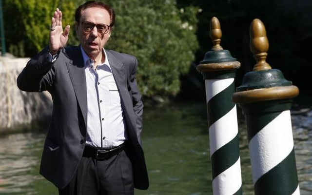Director Peter Bogdanovich poses as he arrives to attend the 71st Venice Film Festival in Venice August 29, 2014. Reuters