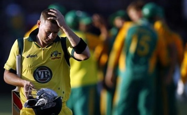 Australia captain Michael Clarke reacts after he was bowled out by Morne Morkel of South Africa during the second One Day International in Port Elizabeth October 23, 2011. Reuters