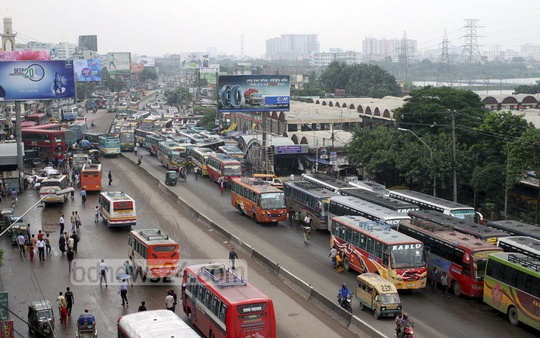 Public transports at Gabtoli unaffected during Jamaat-e-Islami's countrywide shutdown for the release of war criminal Delwar Hossain Sayedee on Sunday. Photo: nayan kumar/ bdnews24.com