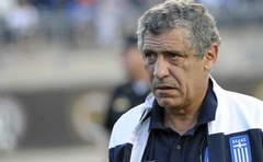 Greece head coach Fernando Santos during a soccer friendly against Nigeria at PPL Park, USA June 3, 2014. Reuters
