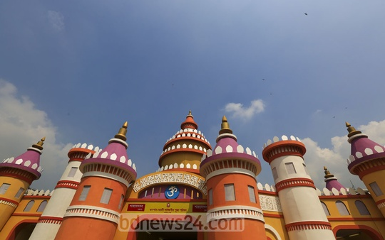 A day before Bijaya Dashami, the last day of Durga Puja , the entrance of the Banani Temple is decorated in marvellous colours on Thursday. Photo: mustafiz mamun/ bdnews24.com