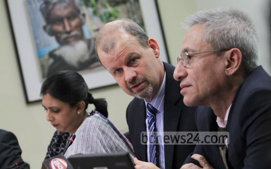 Country Director of World Bank's Dhaka office Johannes Zutt speaks at a press conference in the city on Tuesday. Photo: asif mahmud ove/ bdnews24.com