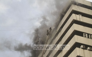 The multi-storey building houses several news media outlet. Photo: asif mahmud ove/ bdnews24.com