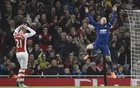 Manchester United's Wayne Rooney (R) celebrates during their English Premier League match at the Emirates Stadium in London November 22, 2014.  Reuters