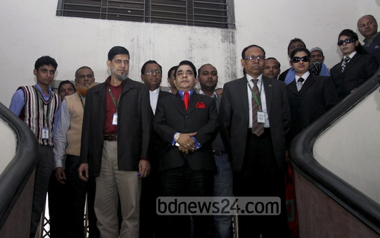 Bangladesh's business tycoon Moosa bin Shamsher faces grilling by ACC officials at the anti-graft commission's office on Thursday. ACC is investigating allegations of money laundering against him. Photo: tanvir ahammed/ bdnews24.com