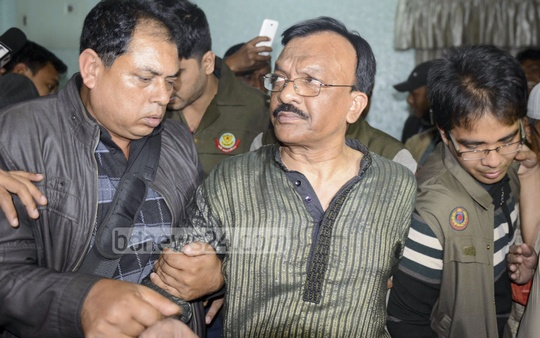 DB Police arrest Mohammed Ali, owner of the building from where customs Intelligence officials and detectives have seized around 62kg gold and Tk 4 crore in national and foreign currencies on Thursday. Photo: bdnews24.com