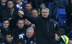 Chelsea manager Jose Mourinho reacts during their English Premier League match against Hull City at Stamford Bridge in London. Reuters