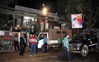 BNP Chairperson Khaleda Zia has been staying at her Gulshan office in the heart of Dhaka's upscale neighbourhood since Jan 3 midnight. File photo