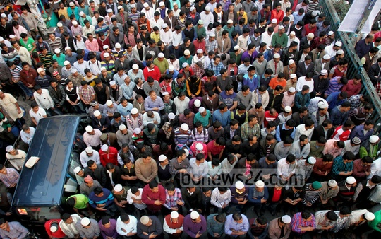 The Namaz-e-Janaza of Khaleda Zia's son Arafat Rahman Coco held at the Baitul Mukarram National Mosque after the Asr prayers on Tuesday. Photo: tanvir ahammed/ bdnews24.com