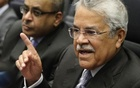 Saudi Arabia's Oil Minister Ali al-Naimi talks to journalists before a meeting of OPEC oil ministers at OPEC's headquarters in Vienna Nov 27, 2014. Reuters
