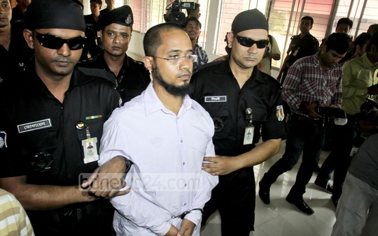 Rapid Action Battalion (RAB) arrests extremist blogger Farabi Shafiur Rahman for his alleged involvement in the killing of writer-blogger Avijit Roy. Photo: tanvir ahammed/ bdnews24.com