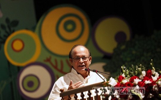 Environment and Forest Minister Anwar Hossain Manju speaks at a seminar on the occasion of World Wildlife Day in Dhaka's Osmani Memorial Auditorium on Tuesday. Photo: asaduzzaman pramanik/ bdnews24.com