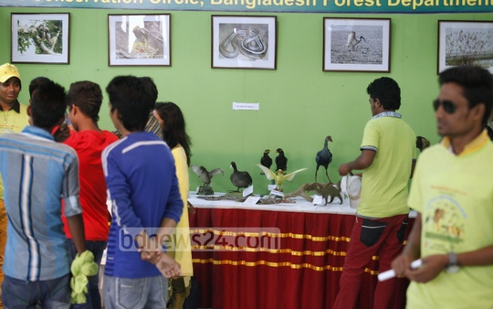 Visitors at the fair organised on the occasion of World Wildlife Day in Dhaka's Osmani Memorial Auditorium on Tuesday. Photo: asaduzzaman pramanik/ bdnews24.com