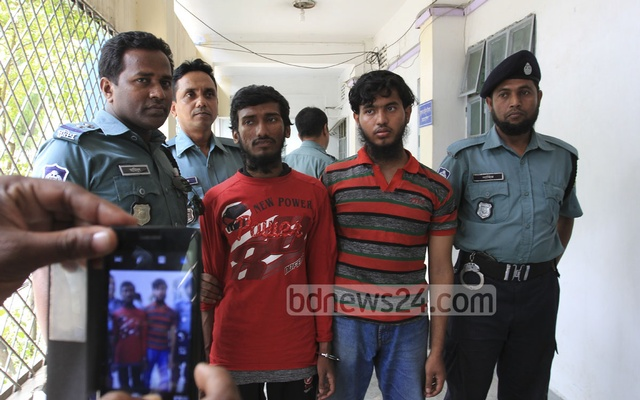 Police arrest two for suspected involvement to the attack on blogger Oyasiqur Rahman Babu. Photo: asif mahmud ove/ bdnews24.com