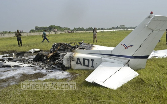 A training aircraft crashed on the runway at Rajshahi's Shah Makhdum Airport, leaving the trainee pilot dead and the trainer injured. Photo: Gulbar Ali Juwel/ bdnews24.com