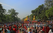 People join  Mangal Shobhajatra, a procession organised by Dhaka University's Faculty of Fine Arts to welcome the Bengali new year. Photo: mustafiz mamun/ bdnews24.com