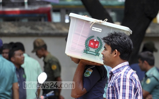 Logistics for city polls were delivered to voting centres on Monday. Photo: tanvir ahammed