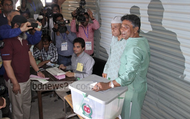 From a successful businessman and a well-known TV anchor, Annisul Huq became the first mayor of Dhaka North City Corporation. The photo was taken when he was casting his vote at Banani Bidyaniketan Centre on Apr 29 2015.
