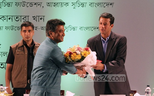 Prime Minister's ICT Adviser Sajeeb Wazed Joy congratulates newly elected mayor of Dhaka North City Corporation Anisul Haque at a seminar organised by Suchinta Foundation at Bangabandhu International Conference Centre (BICC) on Wednesday. Photo: nayan kumar