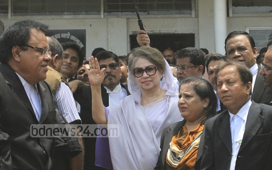 BNP Chairperson Khaleda Zia appears before court on Monday in Bakshibazar which is hearing two graft cases against her. Photo: asif mahmud ove