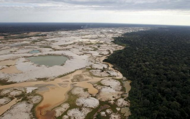 An area deforested by illegal gold mining is seen in a zone known as Mega 14, in the southern Amazon region of Madre de Dios in this July 13, 2015 Reuters file photo.