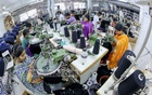Exports fall 1.7% in Jan