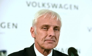 New Volkswagen CEO Matthias Mueller addresses a news conference at Volkswagen's headquarters in Wolfsburg, Germany September 25, 2015. Reuters