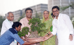 Annisul Huq with Prime Minister Sheikh Hasina. File Photo.