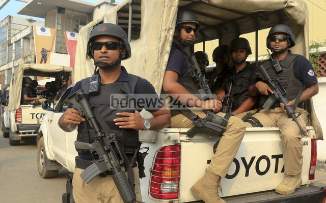 SWAT members taking part in a recent security drill in Dhaka as security has been beefed up in the diplomatic zone following the murders of two foreigners in Bangladesh. File Photo.