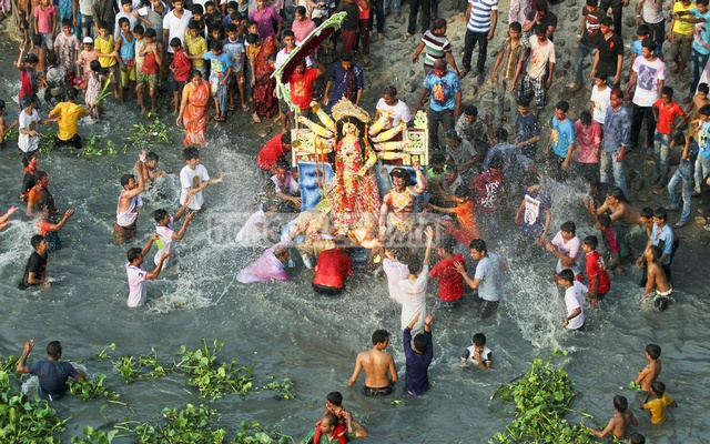 Durga Puja festivity ends in Bangladesh with immersion of idols