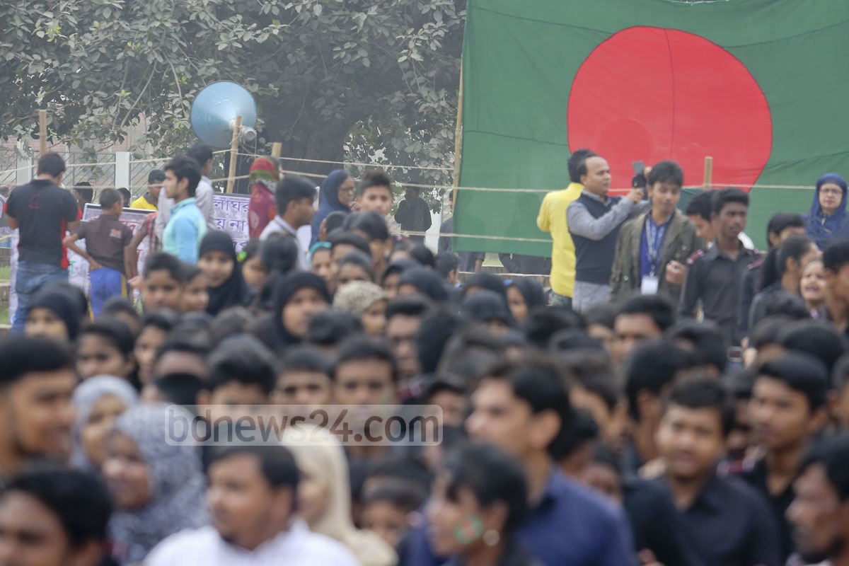 People fill the Rayerbazar killing grounds on the Martyred Intellectuals Day on Monday. Photo: asaduzzaman pramanik