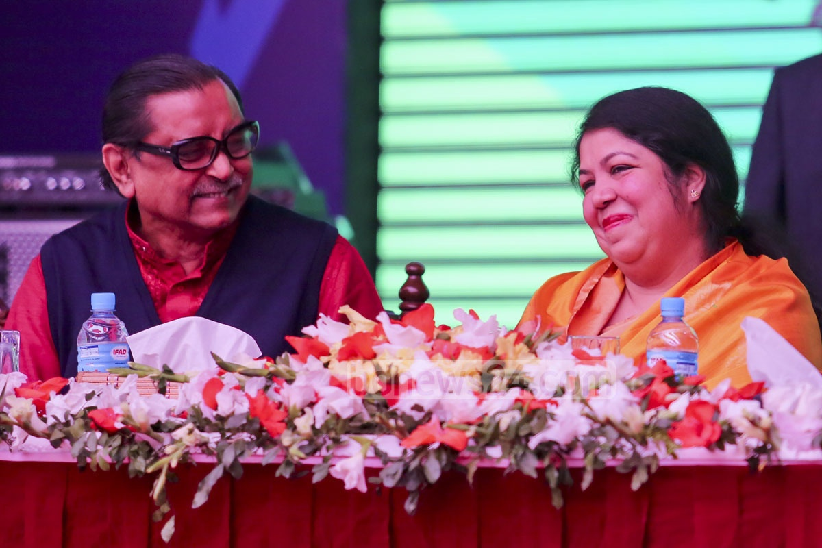 Speaker Shirin Sharmin Chowdhury in great mood with Tourism and Civil Aviation minister Rashed Khan Menon at the first reunion of the Viqarunnisa Noon school and college alumni.
