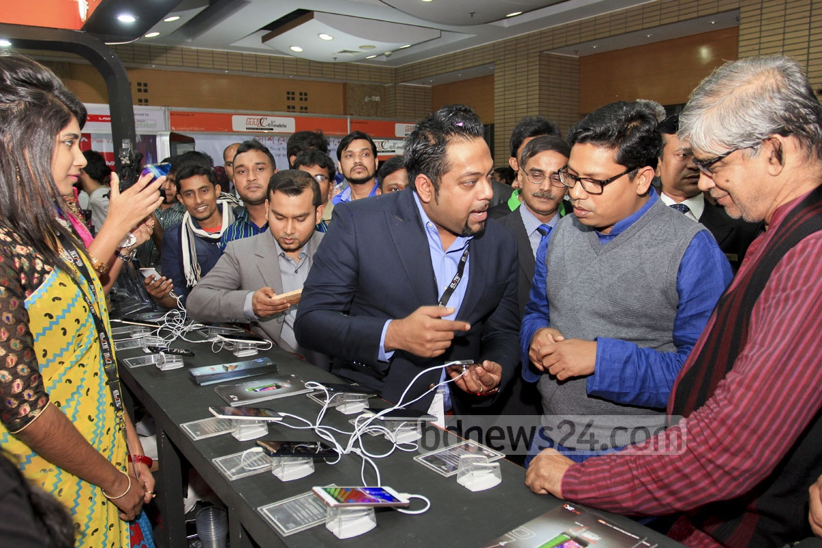 State Minister for ICT Zunaid Ahmed Palak visits a stall at the three-day smart phone and tab exposition that began at Bangabandhu International Conference Centre in Dhaka on Thursday.