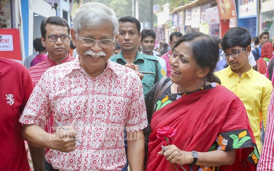 Writer and teacher Prof Muhammad Zafar Iqbal and his wife Prof Yasmin Huq at the book fair on Valentine's Day on Sunday, Feb 14. Photo: asaduzzaman pramanik