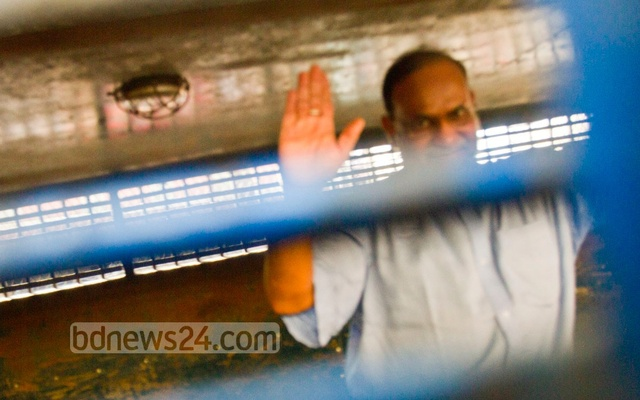 Mir Quasem Ali being taken to the ICT from prison on Nov 2, 2014, before he was sentenced to death by the tribunal.