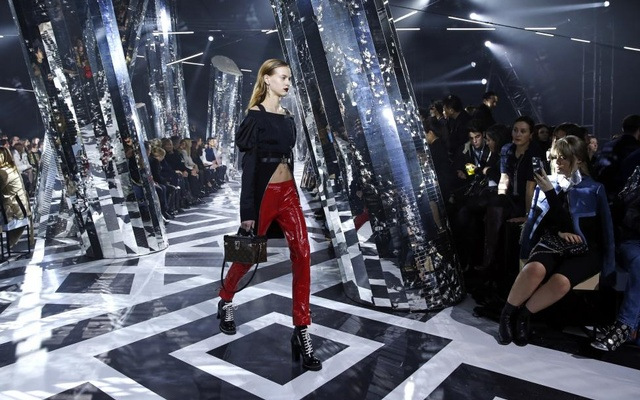 model presents a creation by French designer Nicolas Ghesquiere as part of his Fall/Winter 2016/2017 women's ready-to-wear collection show for Louis Vuitton in Paris, France, March 9, 2016. Reuters