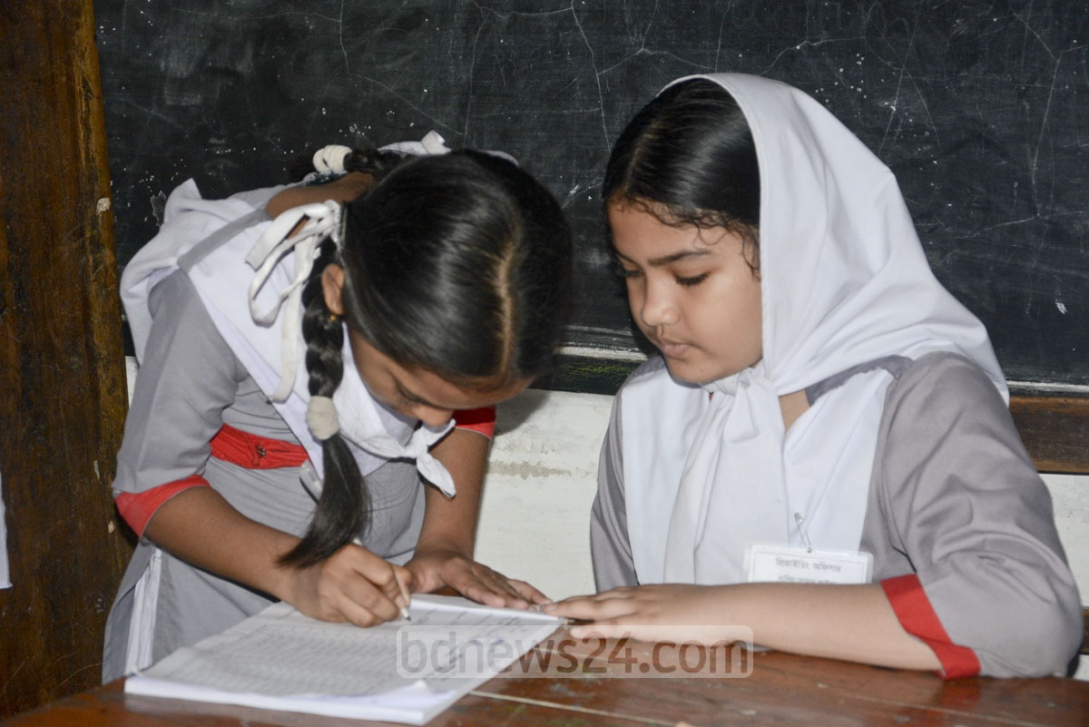 Voting on for electing 'students cabinet' at Motijheel Govt Girls High School.